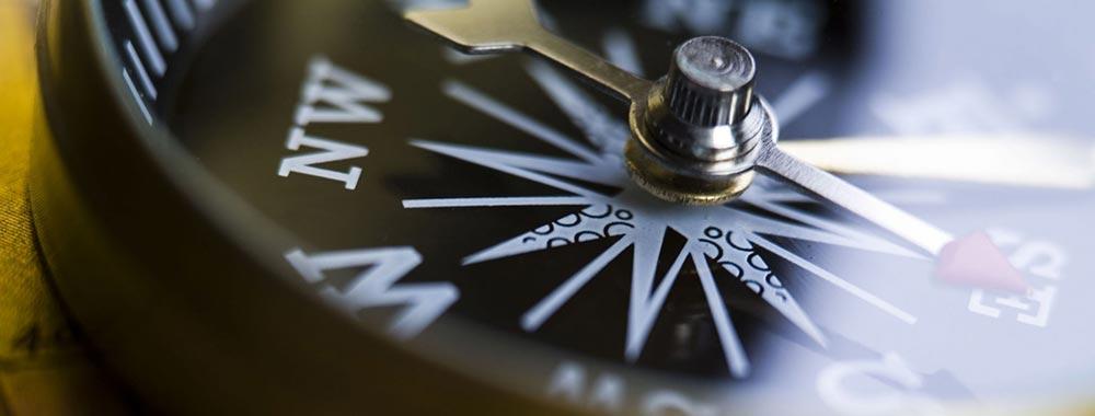 banner_compass